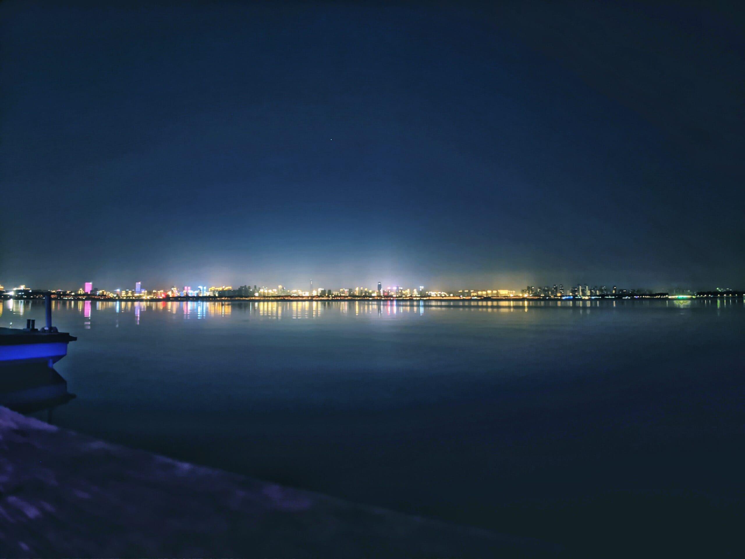 【2020/11】东湖夜景+星轨